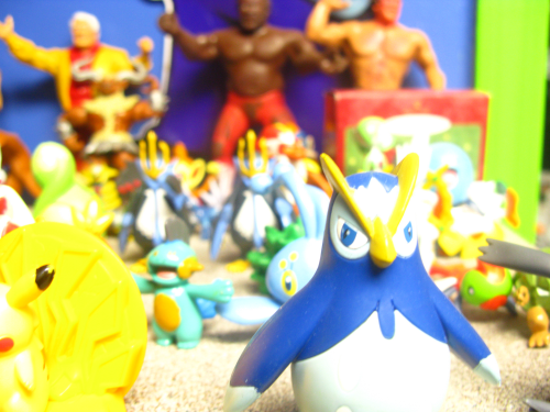 Up close with a tiny, menacing penguinish thingy